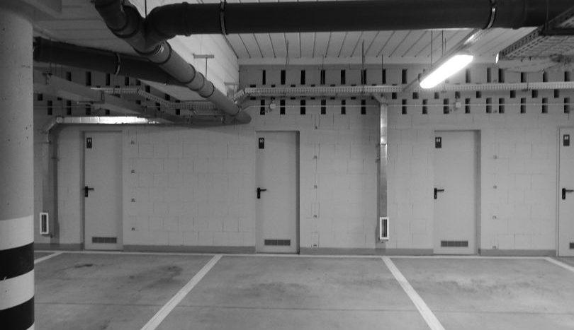Miejsce postojowe w hali garażowej